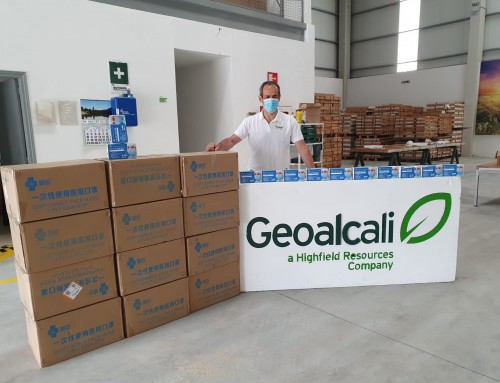 Geoalcali dona y reparte 22.000 mascarillas en el entorno de Mina Muga